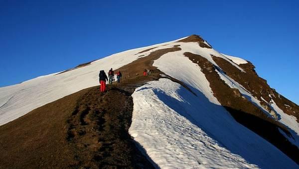 6. Bạn không thể là một phượt thủ thực sự cho đến khi bạn tham gia vào một chuyến du lịch bằng đường bộ, vượt qua ngọn đèo trên vách núi cheo leo ở Himachal. Ảnh:J.M.Garg