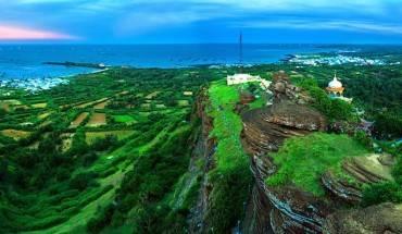Toàn cảnh đảo Phú Quý nhìn từ trên cao. Ảnh:standup