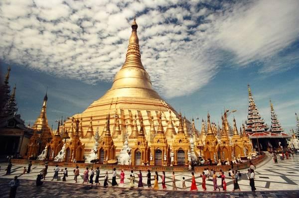 Kiến trúc ấn tượng của chùa Shwedagon. Ảnh: champion-tour.com
