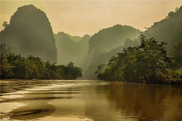 Vẻ đẹp thiên nhiên yên bình, thơ mộng ở hồ Ba Bể.
