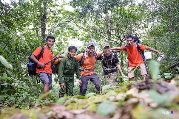 Chuyến đi 3 ngày 2 đêm băng rừng rậm suối sâu, phát cây mở lối thực sự ý nghĩa khi cả nhóm đã lên đỉnh.