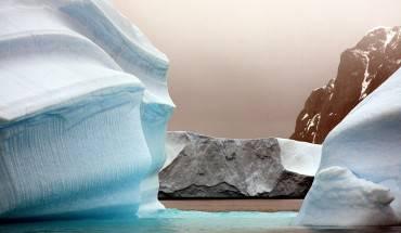 """Băng đẹp đến """"nghẹt thở"""" ở Nam Cực. Ảnh: Nori Jemil"""