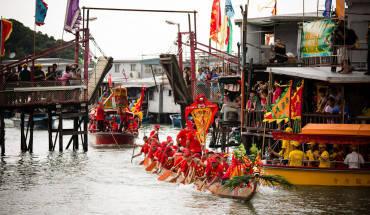 Một lễ hội truyền thống diễn ra Ở Tai O. Ảnh: H.L.Tam