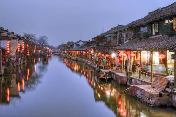 Nếu bạn đang du lịch Thượng Hải thì cổ trấn Tây Đường là điểm đến không nên bỏ qua. Ảnh: Applebeesatpeartree
