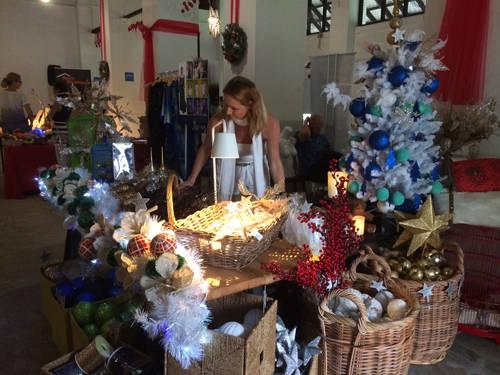 Một quầy trong chợ Giáng sinh ở đồi Dempsey.