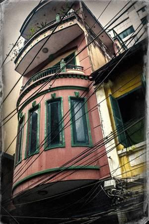 Ô cửa sổ cũng khiến người xem cảm nhận được sự yên bình và tĩnh lặng. (Ảnh: Internet)