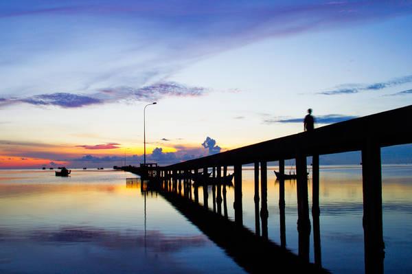 Cầu tàu làng chài Hàm Ninh. Ảnh: salindaresort.com