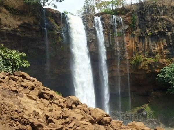 Vẻ đẹp hùng vĩ của thác nước Phú Cường. Ảnh: Bảo Ninh