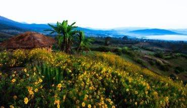 Thị trấn nhỏ xinh này được bao quanh bởi các dãy núi cao quanh năm nên khí hậu rất ôn hòa, dễ chịu. Ảnh: Patrick Foto