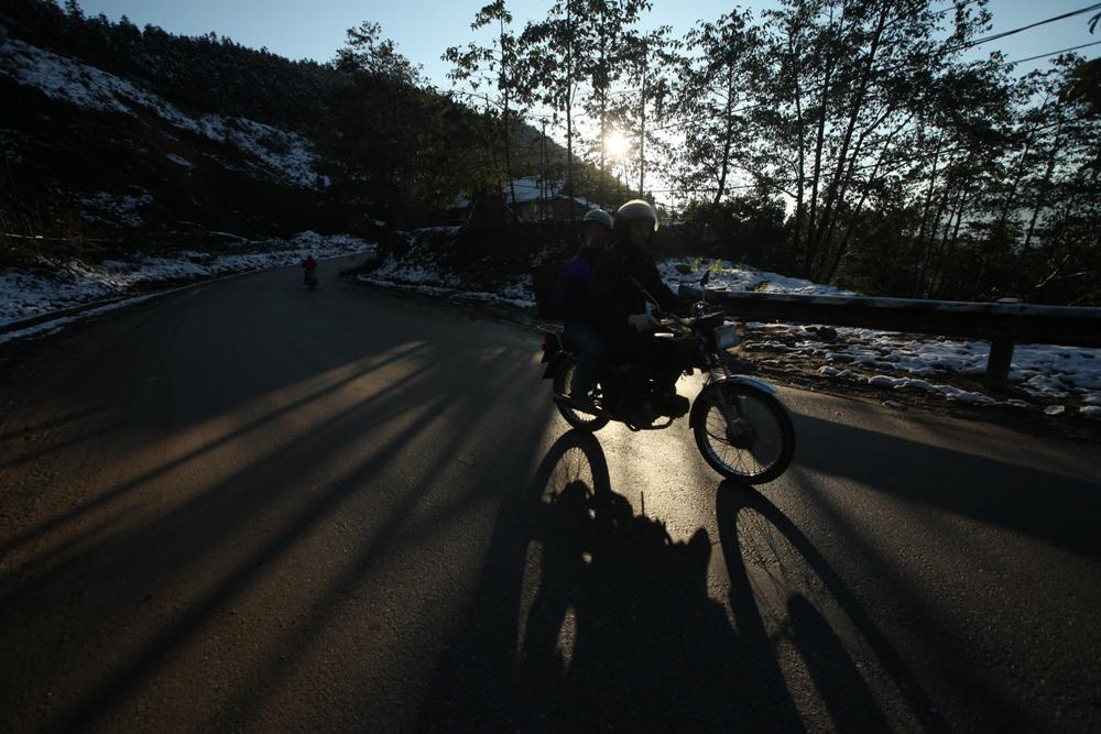 Thời tiết giá lạnh khắc nghiệt không cản được bước tiến của nhiều người yêu du lịch hướng về những đỉnh núi tuyết. Ảnh: Tri thức