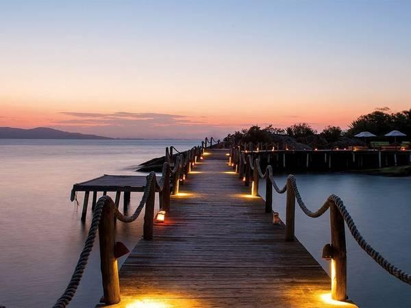 Ponta dos Ganchos Resort, Santa Catarina, Brazil: Nghỉ đêm tại một trong 25 bungalow lung linh trên biển Đại Tây Dương, đi leo núi, lặn biển hoặc chèo thuyền dọc bờ nam Brazil là một trải nghiệm trong mơ của bất cứ ai.