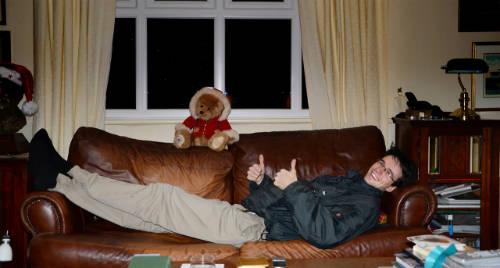 Những du khách sử dụng couchsurfing thường chỉ cần một chiếc ghế sofa cho giấc ngủ của mình. Ảnh: peterustage