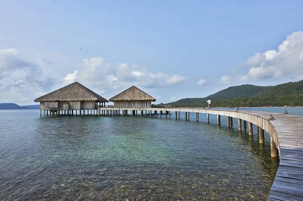Những bungalow bằng gỗ nhỏ xinh ở đảo Koh Rong.