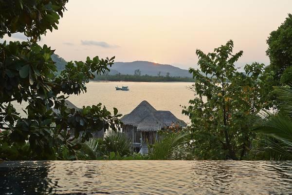 View tuyệt đẹp nhìn từ bờ biển Sihanoukville.