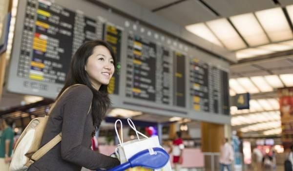 2. Hãy linh động. Cụ thể, nếu bạn muốn đi du lịch ở một nơi, hãy linh động về giờ giấc. Nếu bạn muốn đi du lịch qua nhiều nơi, hãy linh động về vị trí của những nơi đó. Tuy nhiên chỉ được chọn 1 trong 2 cách trên thôi. (Ảnh minh họa - Nguồn: Internet)
