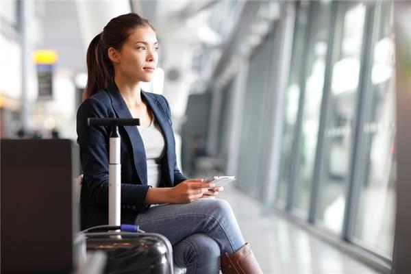7. Xin nghỉ để đi du lịch vào những ngày giữa tuần nếu bạn không muốn mất thêm một khoản tiền kha khá vào vé máy bay. (Ảnh minh họa - Nguồn: Internet)