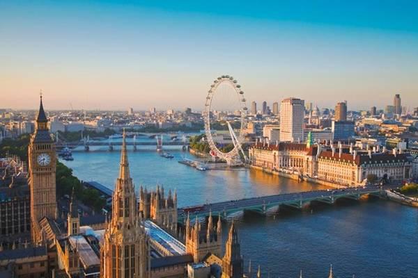 2. London: Năm ngoái, London giữ vị trí số 1 trong bảng xếp hạng. Năm nay, thành phố này vẫn là nơi hút khách hàng đầu châu Âu với 15,96 lượt du khách quốc tế, doanh thu 16,3 tỷ USD. Du khách chủ yếu đến từ Dublin, New York, Stockholm, Amsterdam và Frankfurt. Ảnh: Getty.