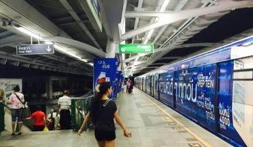 Duong-sat-tren-cao-o-Bangkok-duoc-long-du-khach-quoc-te-ivivu-8