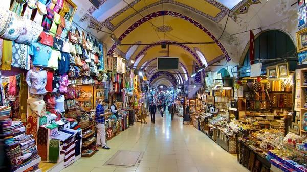 Bên trong khu chợ giống như một mê cung, với các lối đi đan cài nhau, dễ khiến du khách mất phương hướng. Ảnh: Expedia.
