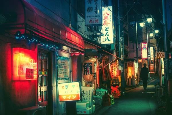 Là nhiếp ảnh gia nghiệp dư, Masashi Wakui hoàn toàn có thể nắm bắt được những góc ảnh ấn tượng của thành phố nơi anh sống khi đêm xuống.