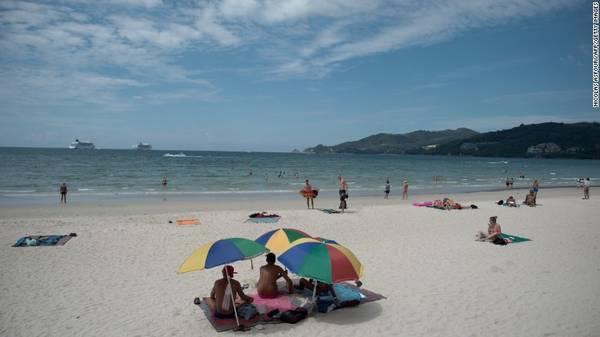 17. Phuket, Thái Lan – Là một trong những thành phố du lịch biển nổi tiếng của Thái Lan, Phuket thu hút 8,1 triệu lượt du khách quốc tế, tăng 1% so với năm trước đó.