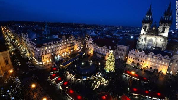 21. Prague, Cộng hòa Séc - Là thủ đô và thành phố lớn nhất Cộng hòa Séc, Prague thu hút khoảng 6,35 triệu lượt du khách quốc tế.