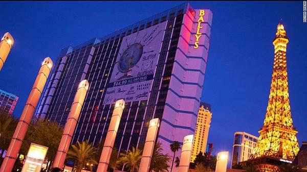 22. Las Vegas - Được mệnh danh là thủ đô giải trí của thế giới, Las Vegas nổi tiếng với các khu nghỉ dưỡng sòng bạc và các loại hình giải trí liên quan. Theo số liệu thống kê thành phố này đón khoảng 6,13 triệu lượt du khách quốc tế.