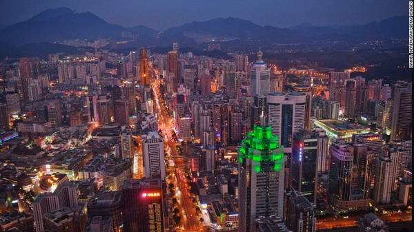 <strong>7. Thâm Quyến, Trung Quốc</strong> - Trong những năm 1980, đây chỉ là một thành phố nhỏ ở miền Nam Trung Quốc. Tuy nhiên, hiện nay Thâm Quyến đã trở thành một đặc khu kinh tế vô cùng phát triển và đón khoảng 13,1 triệu lượt khách quốc tế.