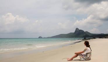 Nằm ởphía đông nam vùng biển Việt Nam, thuộc địa phận tỉnh Bà Rịa - Vũng Tàu, Côn Đảolà một quần đảocó tổng diện tích 72 km2, gồm 16 đảo nhỏhợp thành, lớn nhấtlà Côn Đảohay còn gọi là đảoCôn Sơn.Ảnh: Joachim