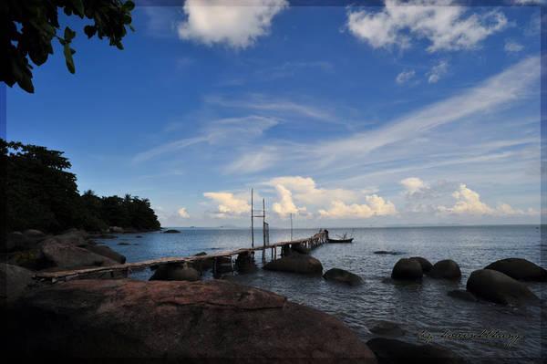 Ngày nay, ngoài sự hiếu kỳ từ tên gọi, người ta còn đến đảo Hải Tặc để khám phá một vẻ đẹp hoang sơ hiếm có. Ảnh: Hovinhthang/ vnphoto.net