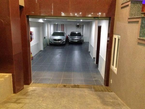 Hầm giữ xe trong khách sạn.