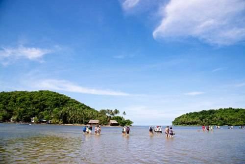 Một góc phong cảnh hoang sơ ở quần đảo Bà Lụa. Ảnh: chudus.