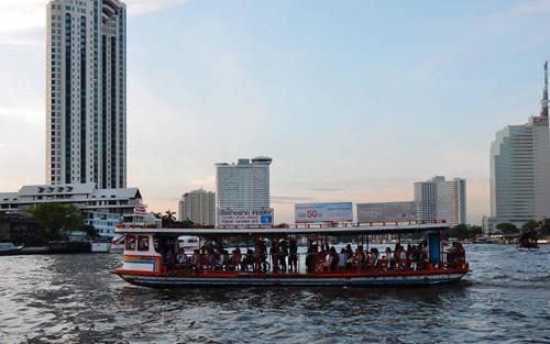 """Chùa Chee Chin Khor: Những người từng dùng dịch vụ du thuyền của Chaopraya Express Boat sẽ đều chú ý tới ngôi chùa Trung Quốc 8 tầng tên tiếng Thái Lan là """"Mahathat Chedi Phrachomchatri Thai-chin Chaloem"""". Góc nhìn trên thuyền làm du khách phải để tâm và ngắm nhìn nó. Đây là một công trình mà du khách nên ghé thăm."""