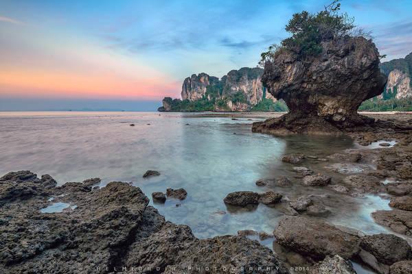 Phong cảnh hoang sơ hút hồn du khách của Krabi. Ảnh: Helminadia Ranford
