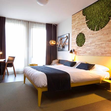 Phòng nghỉ với nội thất sang trọng và tinh tế. Ảnh: iVIVU.com