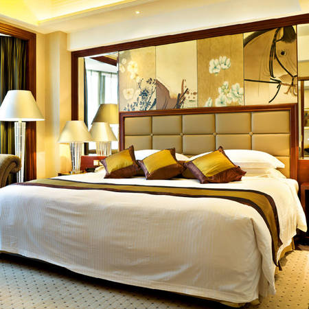 Khi nghỉ ngơi trong các căn hộ tại đây, ngoài nội thất đầy đủ, tiện nghi, Các căn hộ được trang bị thêm tủ lạnh, bếp điện, bàn ghế ăn, dụng cụ nấu, chén dĩa.... Ảnh: iVIVU.com