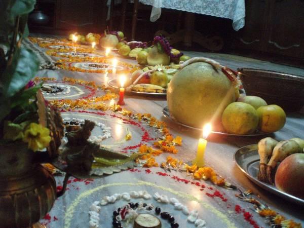 Nepal: Sambat là lễ hội năm mới của người Nepal theo lịch của nước này. Người dân thường tham dự Mha Puja, một nghi lễ thanh lọc và cầu siêu cho năm mới. Các hoạt động ngoài trời bao gồm diễu hành và thi sắc đẹp. Ảnh: bimalfotos.