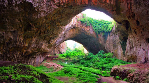 Đường vào hang động Melissani - Ảnh: wp