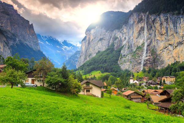Thung lũng Lauterbrunnen - Ảnh: fotolia