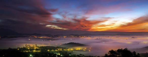 Thành phố Đà Lạt lúc rạng sáng - Ảnh: Mai Vinh