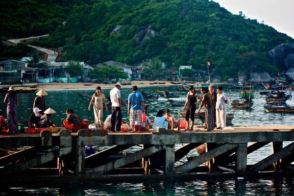Chợ sớm trên đảo.