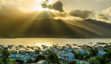 Bình minh tuyệt đẹp trên đảo Bình Hưng. Ảnh: FB Nhien Nguyen An