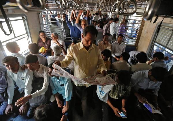 Trivandrum - H. Nizamuddin Rajdhani được xem là tuyến tàu ít dừng trạm nhất của Ấn Độ. Ảnh: Shailesh Andrade/Reuters