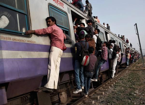 Ngược lại, Howrah-Amritsar là tuyến tàu có nhiều điểm dừng nhất với 115 lần. Ảnh: Ahmad Masood/Reuters