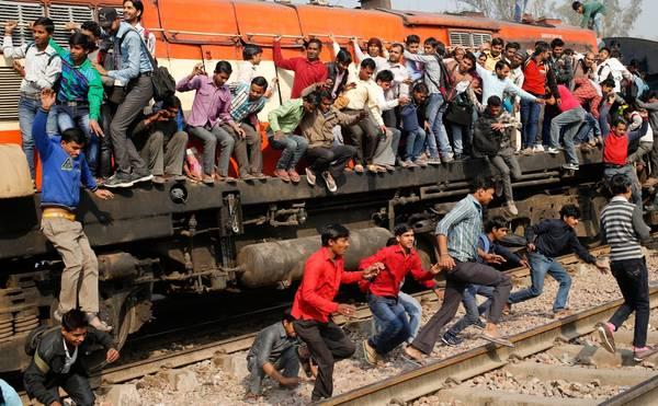 Ngược lại Ib nằm gần Jharsuguda ở Orissa là nhà ga có tên ngắn nhất. Ảnh: Rupak De Chowdhuri/Reuters