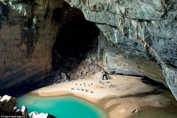 Vẻ đẹp của hang Én. Ảnh: dailymail