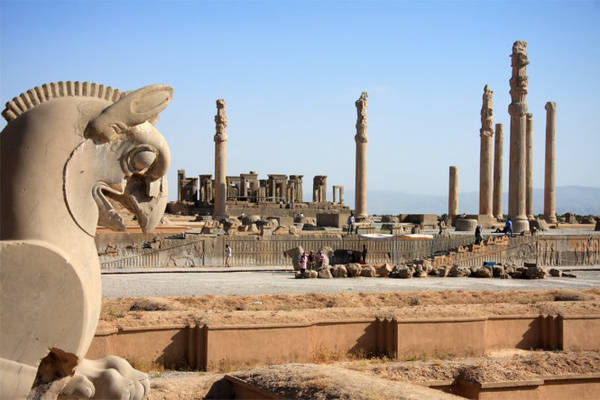 Những phế tích gợi nhớ thời hoàng kim của Persepolis - Ảnh: wp