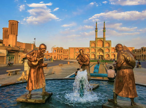 Quảng trường Amir Chakhmaq ở Yazd - Ảnh: wiki