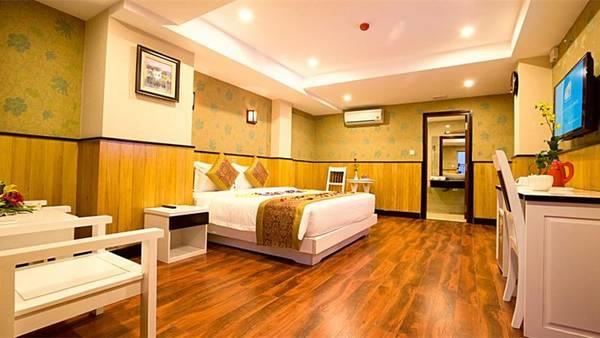 Phòng nghỉ khách sạn tiện nghi với rất nhiều lựa chọn thú vị dành cho bạn và gia đình. Ảnh: iVIVU.com