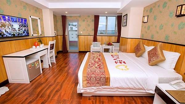 Tất cả các phòng tại đây đều có ban công và cửa sổ thoáng mát. Ảnh: iVIVU.com